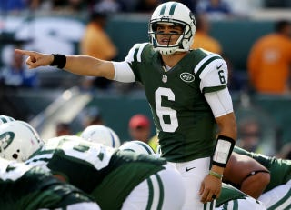 Illustration for article titled Mark Sanchez Silenced Tebow Supporters While Throwing For The Third-Lowest Passing Yards In His Career