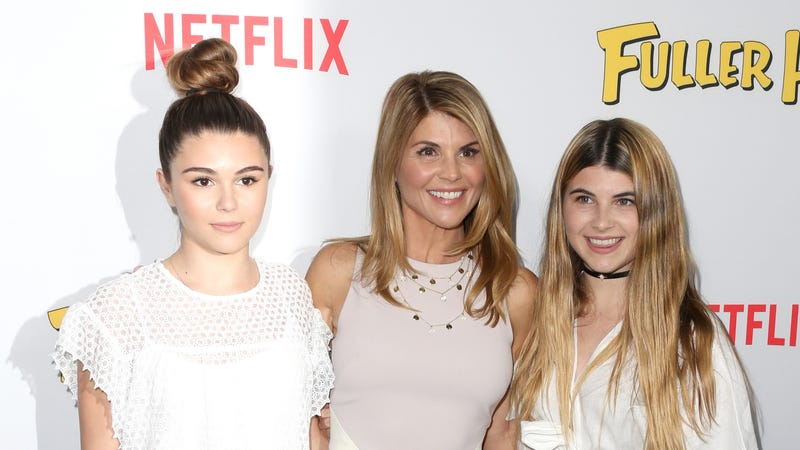 Illustration for article titled Were Aunt Becky's Influencer Daughters Kicked Out of Their USC Sorority? Does Anything Matter?