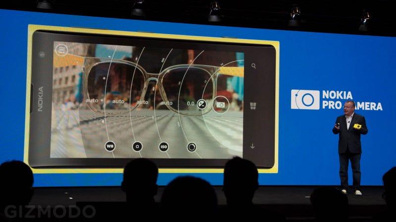 Mitad móvil, todo cámara: así es el Nokia Lumia 1020 de 41 megapíxeles