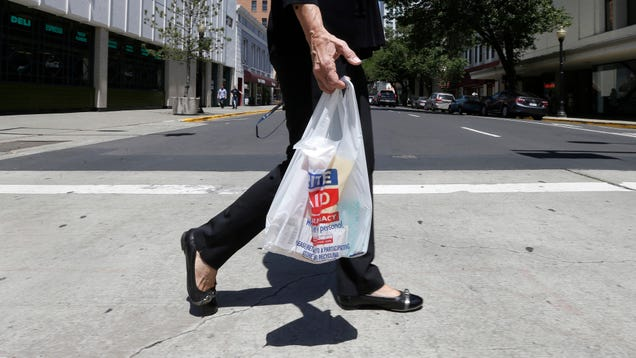 California's Plastic Bag Ban Appears to Be Kicking Some Major Ass