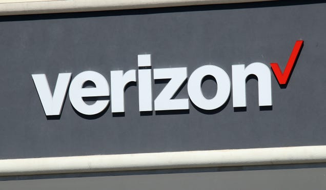 Private Verizon Customer Information Leaks in Chat Transcripts