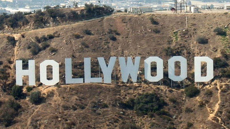Illustration for article titled Landmark Win: L.A. Is Finally Restoring The Hollywood Sign To Its Original Sentence!