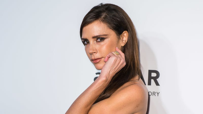 Illustration for article titled Victoria Beckham Has Not One, but 14 Engagement Rings, Ya Broke Hags
