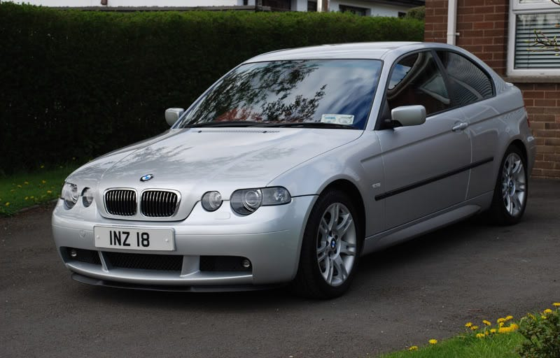 Illustration for article titled The E46 compact may be ugly, but it's a hoot to drive