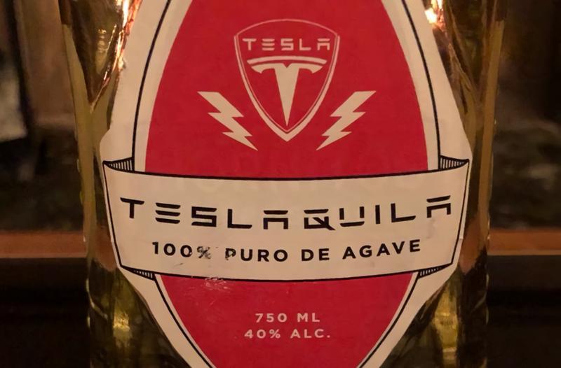 Illustration for article titled La última idea de Elon Musk es patentar una bebida llamada Teslaquila, y los productores de tequila no están contentos