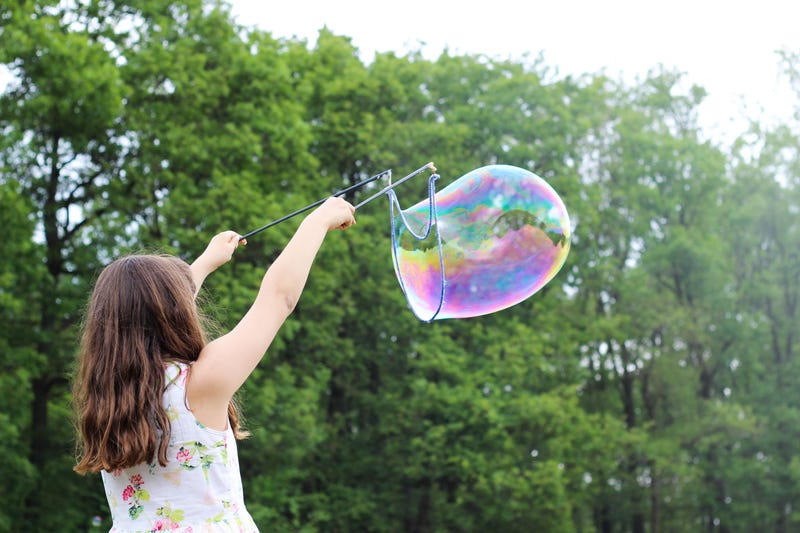 Illustration for article titled Before Summer Ends, Make Giant Bubbles With Your Kid