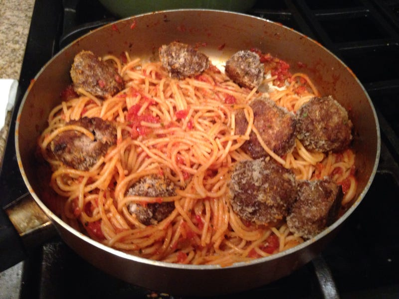 Illustration for article titled Spaghetti & Meatballs