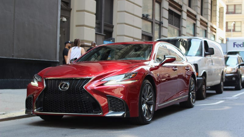 The Twin-Turbo V6 in the Lexus LS 500 Is a Legit V8 Replacement