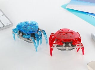 Illustration for article titled Bandai Hex Bug Robotic Crab is Just like Real Thing, With Less Pinching