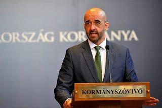 Illustration for article titled Kovács Zoltánaz MSZP oltogatásához ért, aközvélemény-kutatáshoz nem