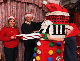 Illustration for article titled This Lego Crazy Family Builds a Different 100,000-Brick Model Every Christmas