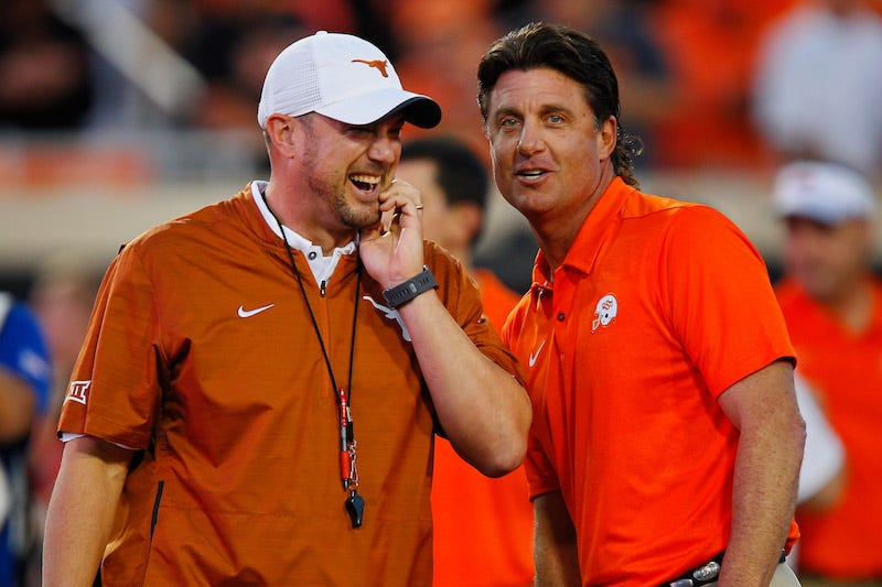 Illustration for article titled Mike Gundy And Tom Herman Cook Up Some Beef, Then Quickly Throw It Away