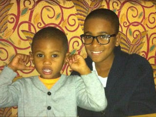Kyle Glover (right) with younger brother (Tameka Raymond/Twitter)