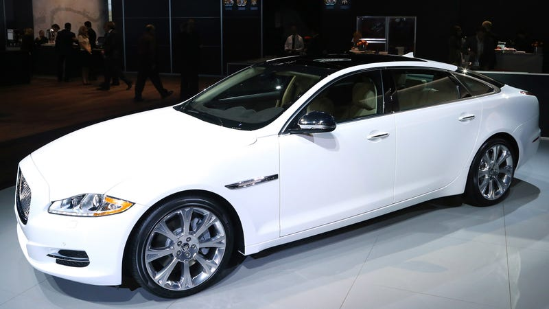 Illustration for article titled Man Sues Jaguar Claiming Automatic Door on $96,000 Car Severed His Thumb [Graphic Photo]