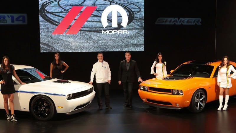 Illustration for article titled Hemi® 'Shaker' Returns – 2014 Challenger R/T And Mopar '14 Challenger Models Deliver Power, Performance And Heritage