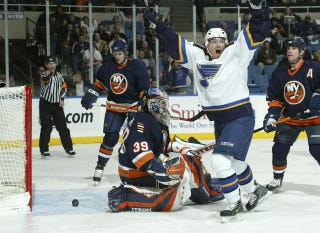 Illustration for article titled The New York Islanders Are Going To Brooklyn