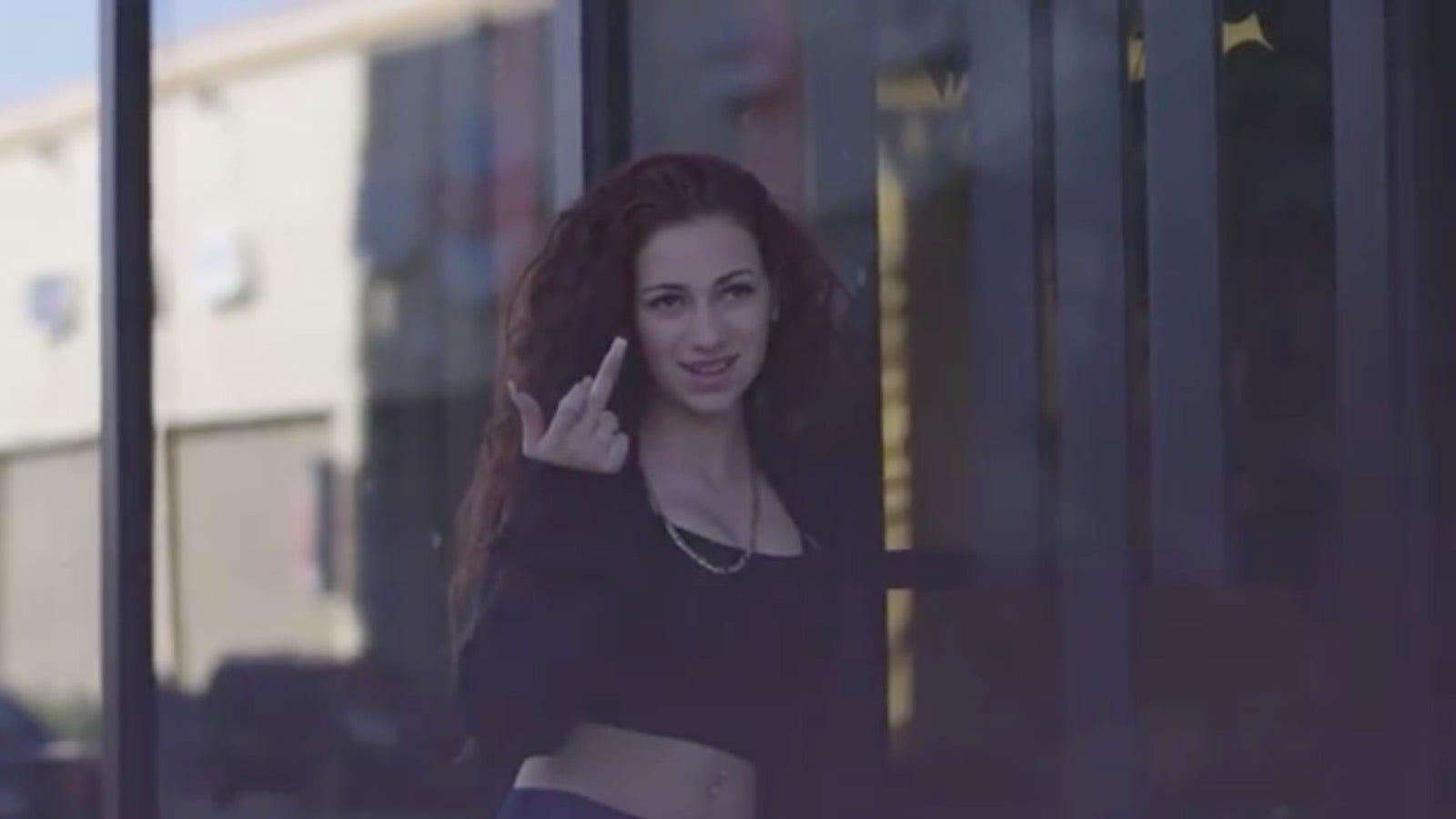 Danielle instagram cash me outside - The Cash Me Outside Girl S Tour Has Been Postponed