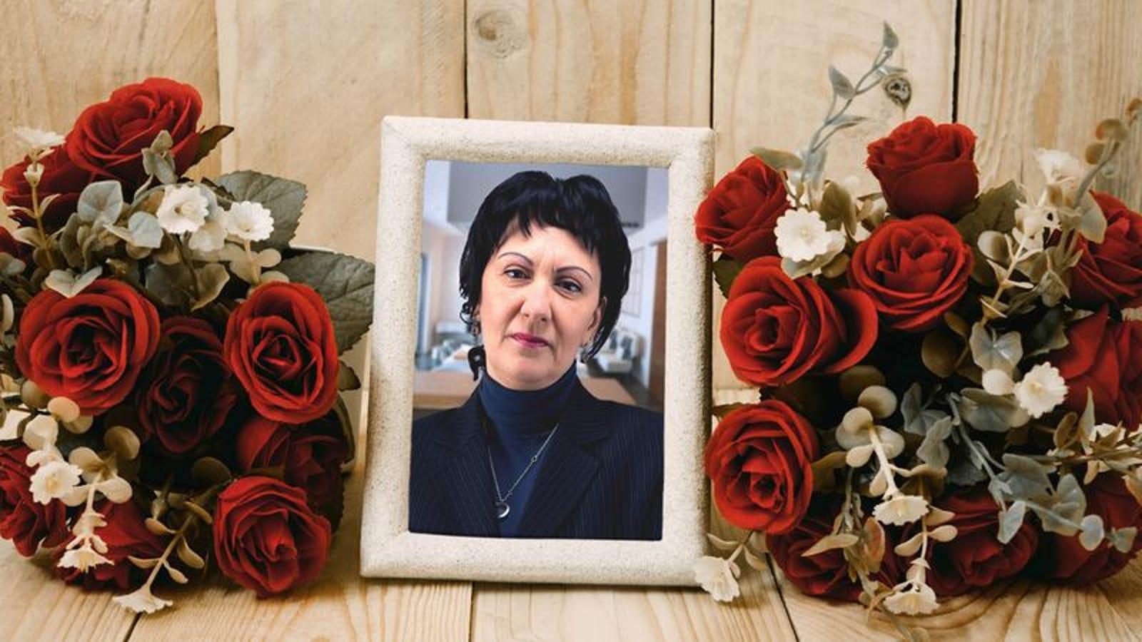 Sudden Death Of Aunt Creates Rupture In Family Gossip Pipeline
