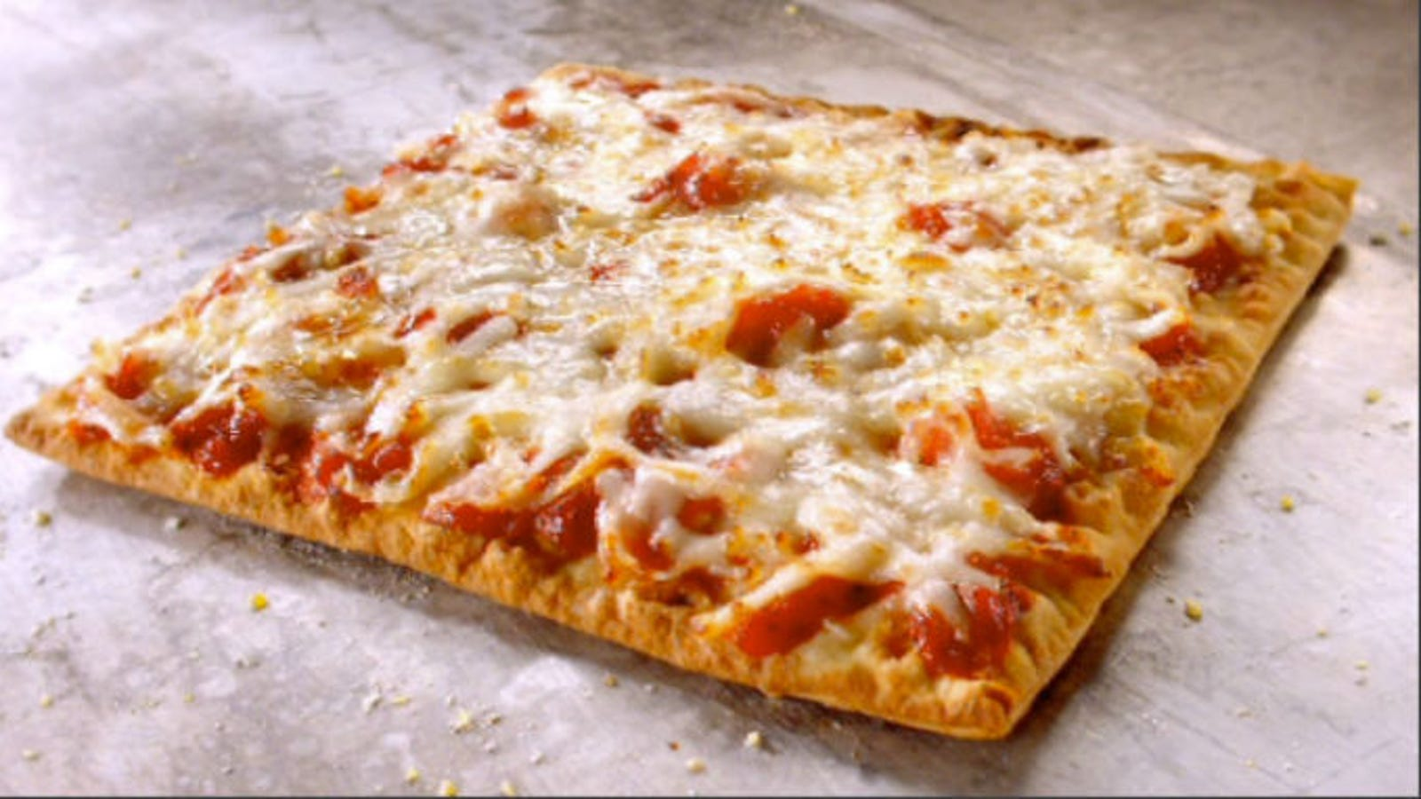 woman calls 911 to complain about subway flatizza