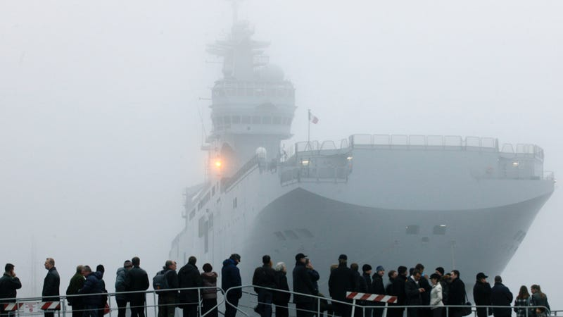 Illustration for article titled Why These Powerful French Assault Ships Might End Up In Putin's Hands