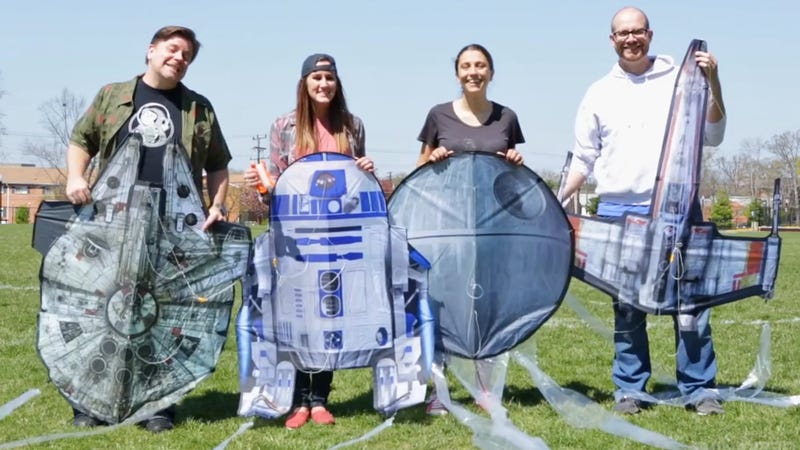 Illustration for article titled You Can Finally Pilot the Millennium Falcon With These Giant Star Wars Kites