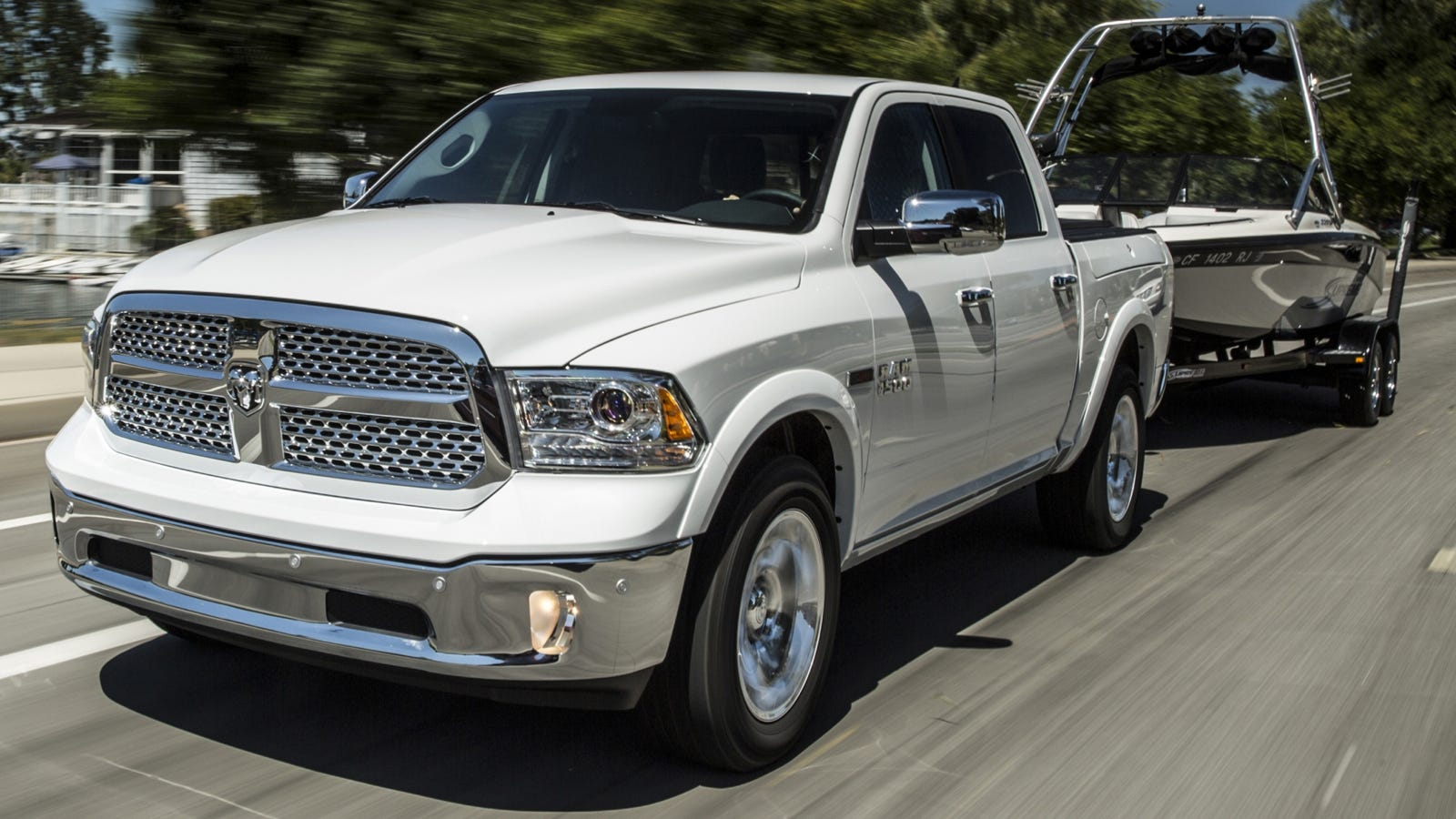 new tow ratings for entire ram trucks lineup based on sae standard. Black Bedroom Furniture Sets. Home Design Ideas