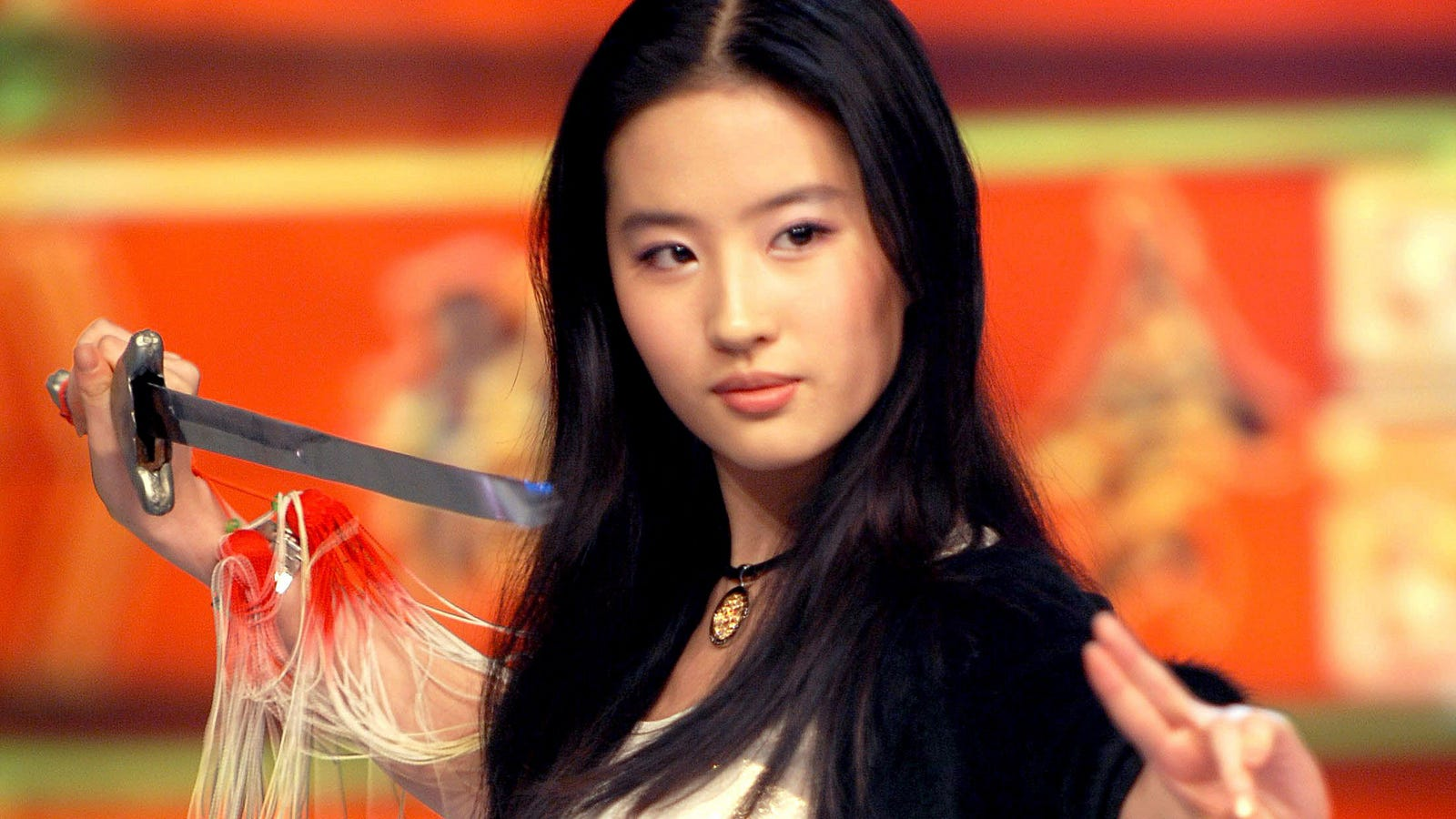 Liu Yi Fei >> Disney's Live-Action Mulan Finds Its Lead Actress