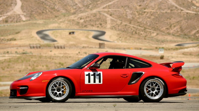 Illustration for article titled Porsche attacking Pikes Peak in 911 GT2 RS after 1,110-mile road trip