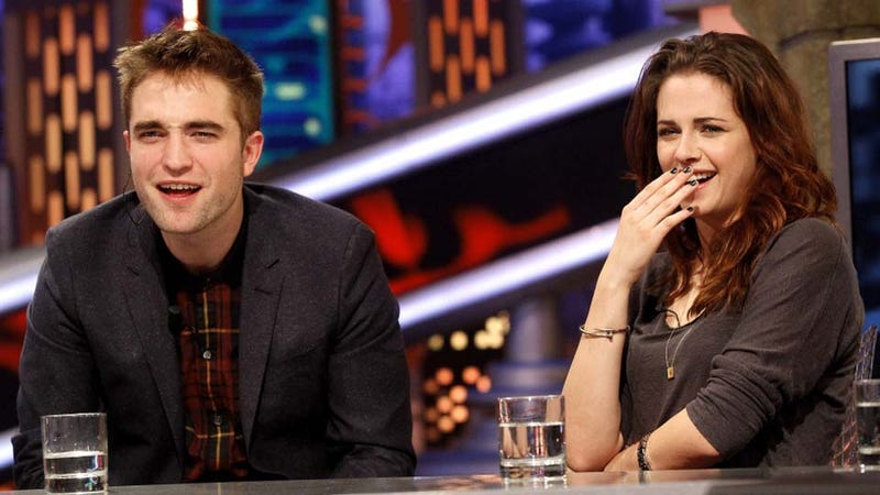 Illustration for article titled Kristen Stewart and Robert Pattinson Are Laughing at You