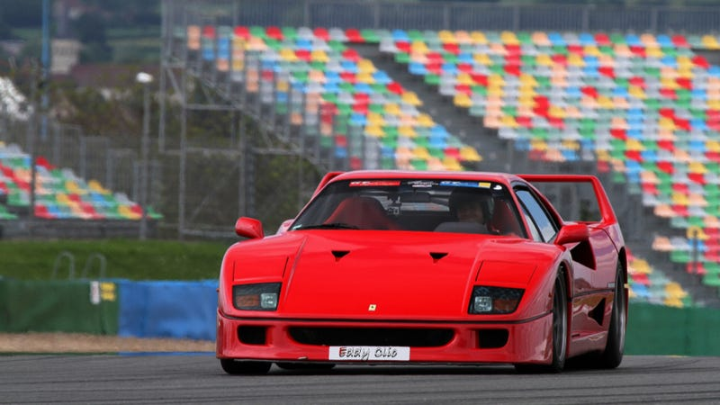 Illustration for article titled A Ride In A Ferrari F40 Will Change Your Life