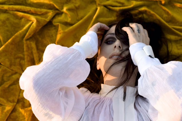 Chelsea Wolfe doubles down on darkness for Hiss Spun