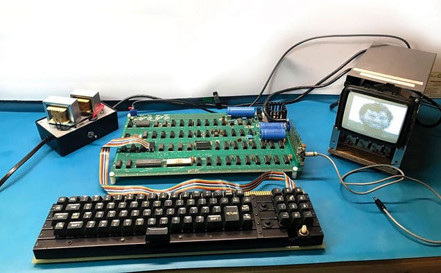 First Apple Computer Goes Up For Auction, Expected to Fetch More Than $300,000