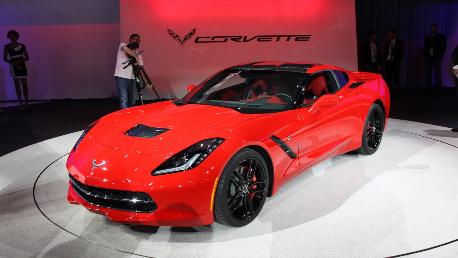 the new corvette stingray everything you need to know. Black Bedroom Furniture Sets. Home Design Ideas
