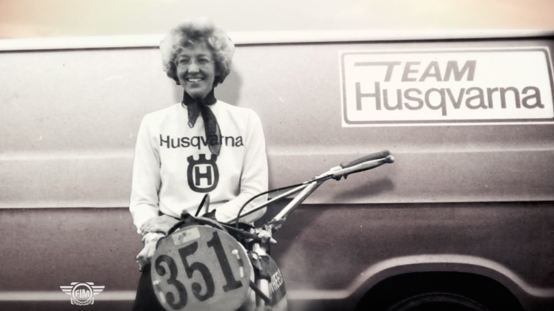 Illustration for article titled The First Woman to Finish the Baja 1000 Also Dominated The Sports Car and Motorcycle Racing World in the 1960s