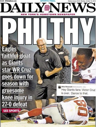 Illustration for article titled No, That Eagles Employee Wasn't Celebrating Victor Cruz's Injury