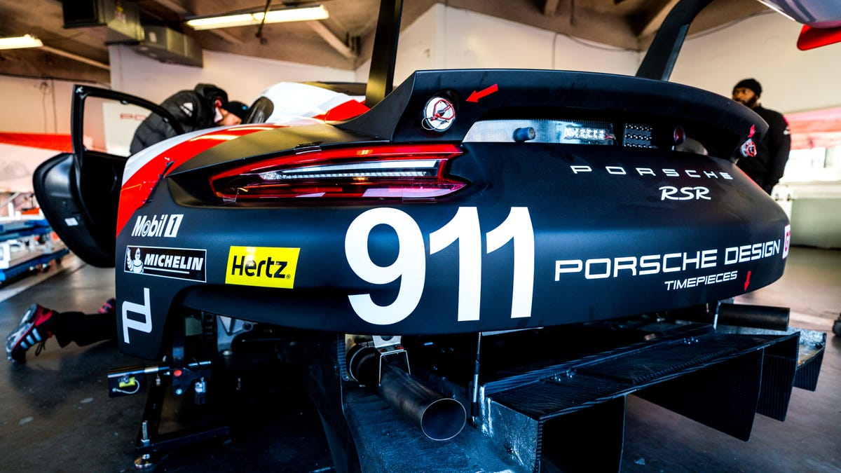 Our First Look Inside The Porsche 911 Rsr Shows How Went Mid 991 Engine Diagram