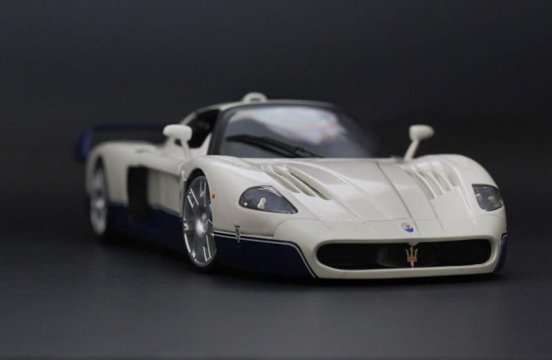 Illustration for article titled Maserati MC12 by Hot Wheels in 1:18