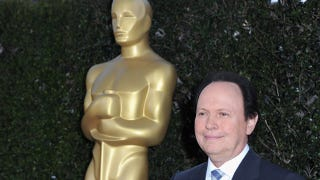 Illustration for article titled Billy Crystal Says He's Hosting The Oscars So People Will Remember Who He Is
