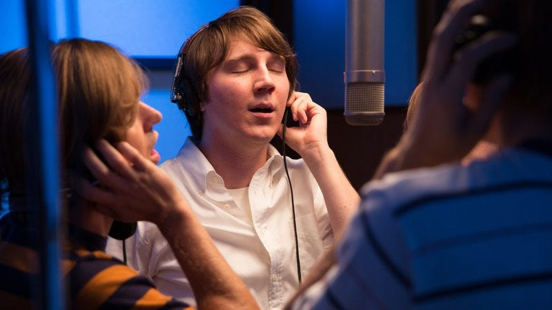 Illustration for article titled Love & Mercy picks Brian Wilson's brain, finds strengths in his ears