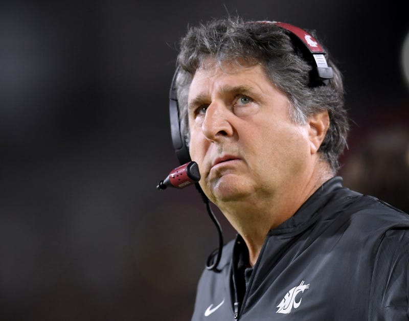 There's Nothing More Predictable Than Mike Leach Suddenly Having Dumb Thoughts About Homeless People