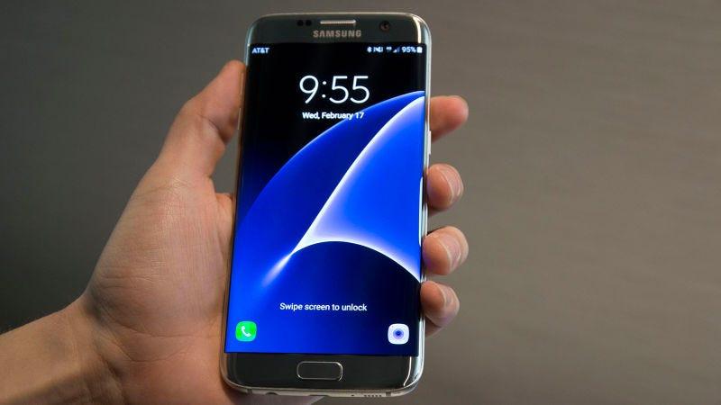 Foto: Samsung Galaxy Sy, vía Darren Orf,