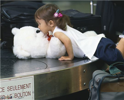 Illustration for article titled Holiday Travel Tip: Survive an airport trip with the kids