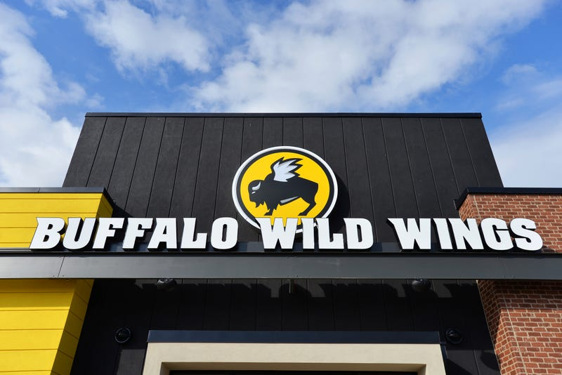 Illustration for article titled Lawsuit Alleges Buffalo Wild Wings Managers Gave the Green Light to Refuse Black Customers