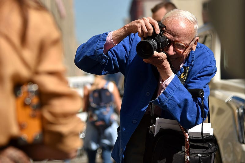 Illustration for article titled Bill Cunningham, Street Style Extraordinaire, Dead at 87