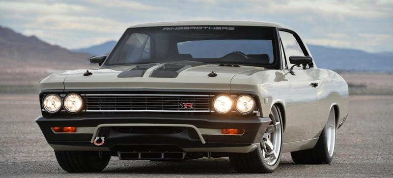 Illustration for article titled This 980 Horsepower '66 Chevelle Has A Fighter Jet Cockpit