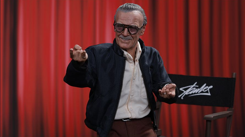 Illustration for article titled Even Stan Lee Has a Hot Toys Action Figure Now