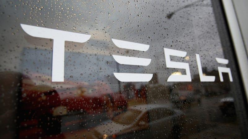 Illustration for article titled Ex-Tesla Spokesman David Vespremi Wins Lawsuit Years After Firing