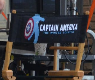 Illustration for article titled Look which characters we caught kissing on the Captain America 2 set!
