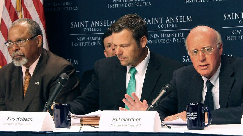 Kansas Secretary of State Kris Kobach, center, attends a meeting of the now-defunct Presidential Advisory Commission on Election Integrity on Sept. 12, 2017. (Photo: AP)
