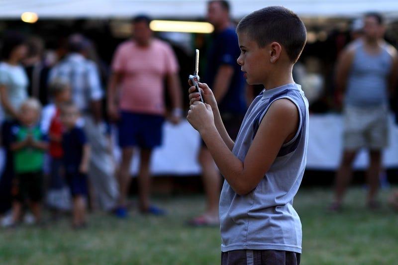 Illustration for article titled Un padre inventa una app capaz de obligar a su hijo a que le llame cuando no responde a sus mensajes